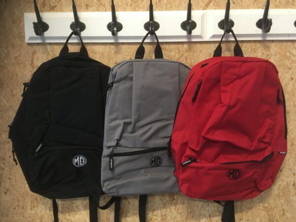 MG Rygsæk, vælg mellem sort, grå eller rød.